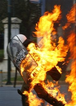 viva la revolution(greek riots)