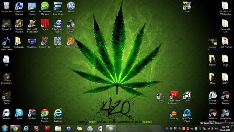 Epic Desktop Background! And Ganjah!