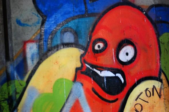 [PIC] Upset Hotdog Sausage Graffiti