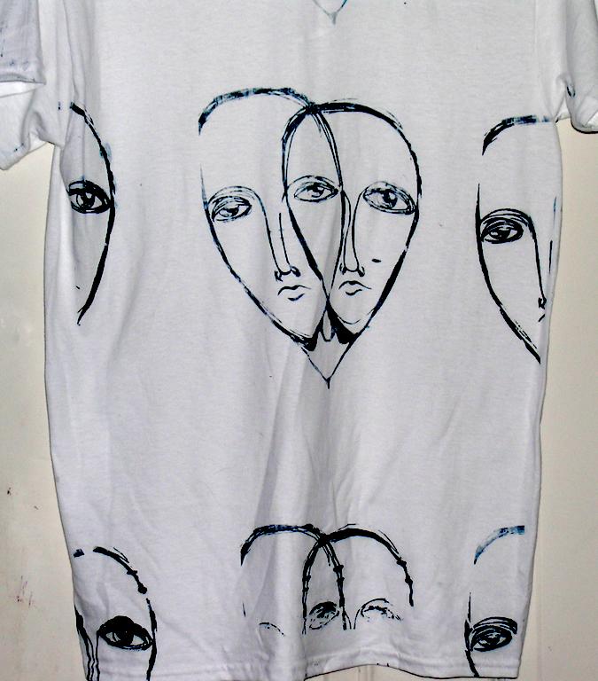 3205983_140394784633_shirt3.jpg