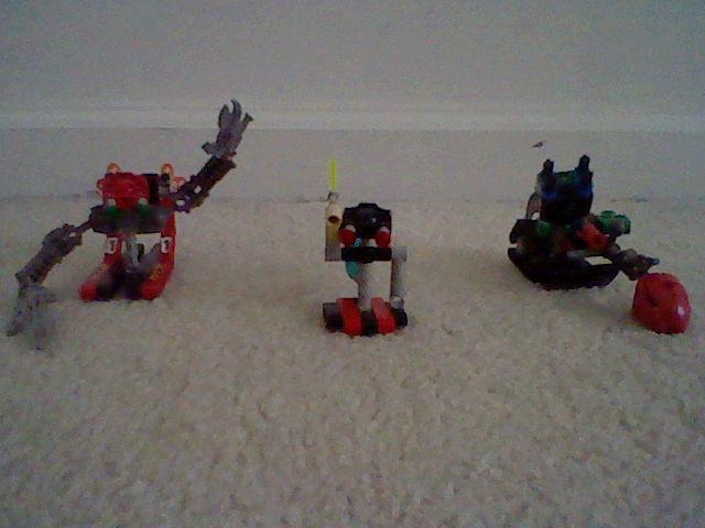 4556508_141400985812_Robots.JPG