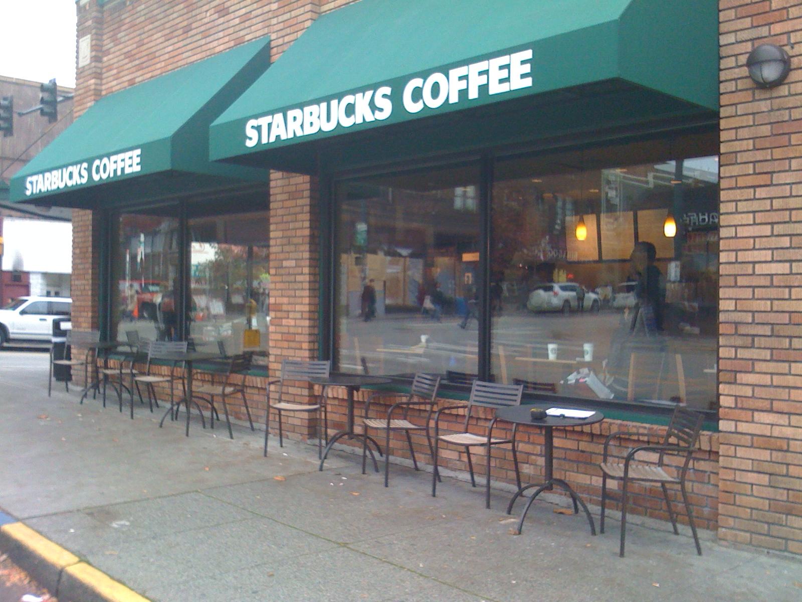 2133929_142789203433_Starbucks-Stores-004.jpg