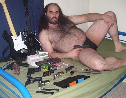 1266894_144351294211_fat-guy-with-gun-162770350698.jpg