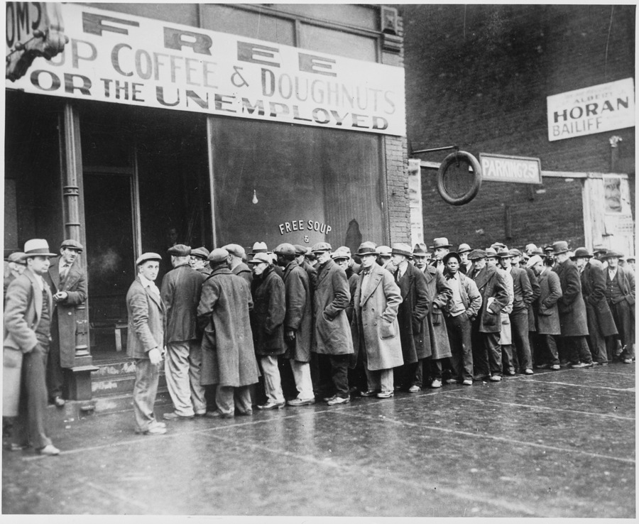 2623497_145337511273_Unemployed_men_queued_outside_a_depression_soup_kitche.jpg