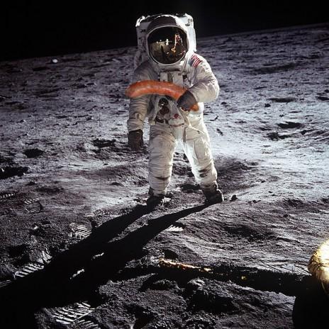 Neil Armstrong on da moon