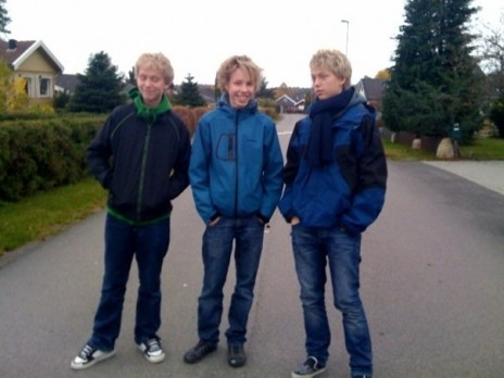 The Vad Flaaten Twins + Simon [Picture]