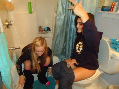Anyone up for some pretty ladies on the toilet?