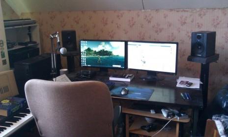 My little studio corner :>