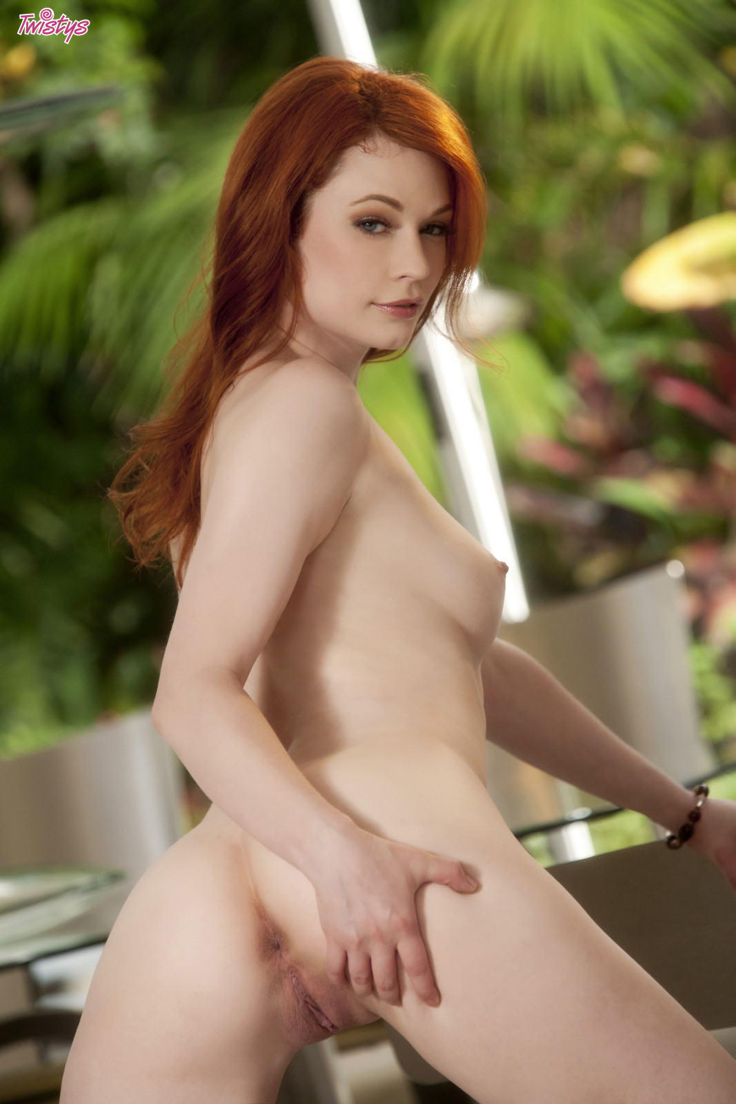 4206973_138627791422_baldcunt_erotiqlinks_greatass_JustineJoli_redhead_sexy.jpg