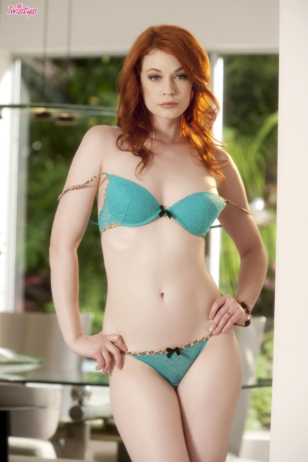 4206973_138627759492_baldcunt_erotiqlinks_greatass_JustineJoli_redhead_sexy.jpg