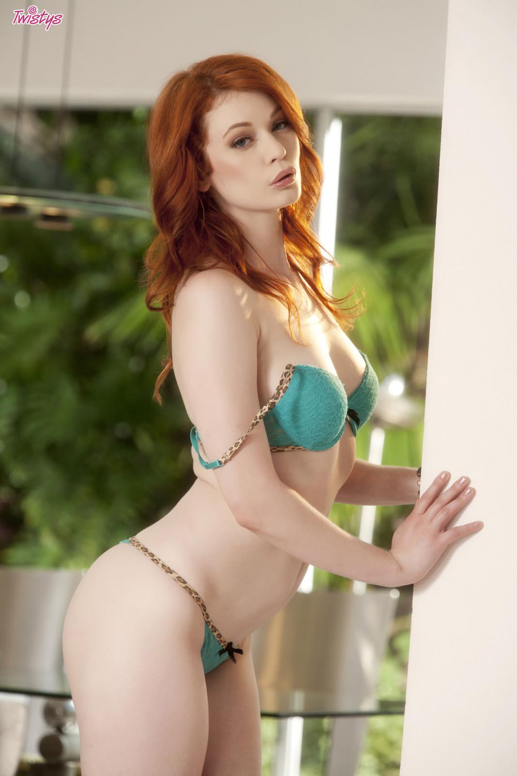 4206973_138627764962_baldcunt_erotiqlinks_greatass_JustineJoli_redhead_sexy.jpg