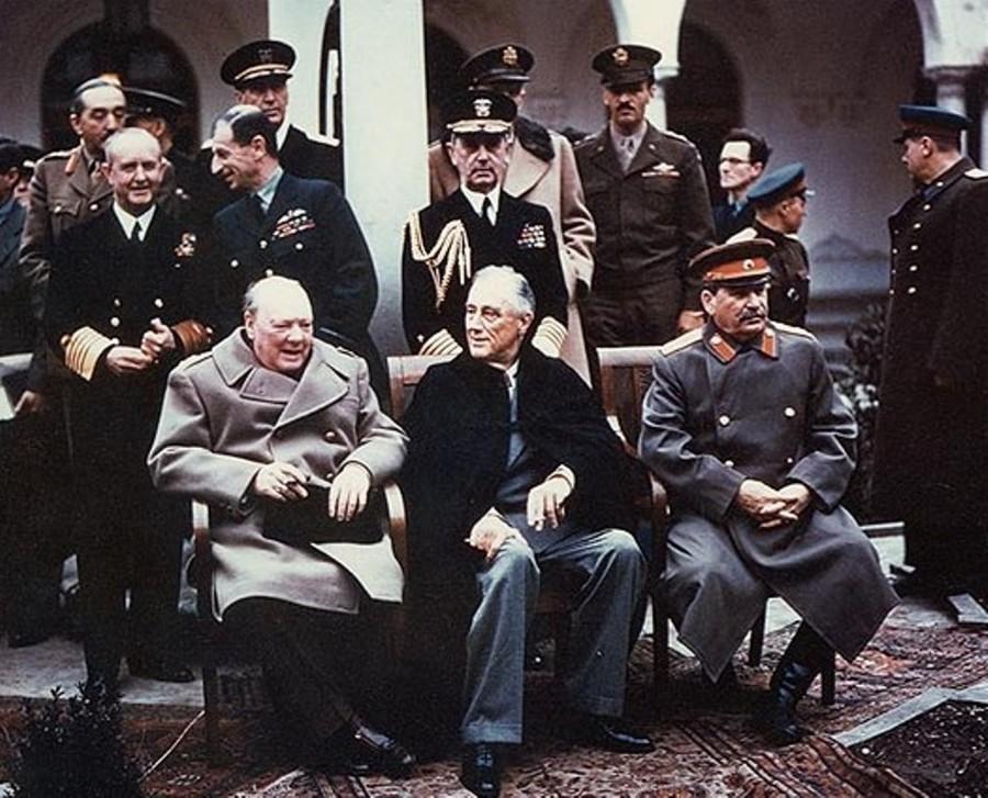 3465700_139070067493_Yalta_summit_1945_with_Churchill2C_Roosevelt2C_Stalin.jpg