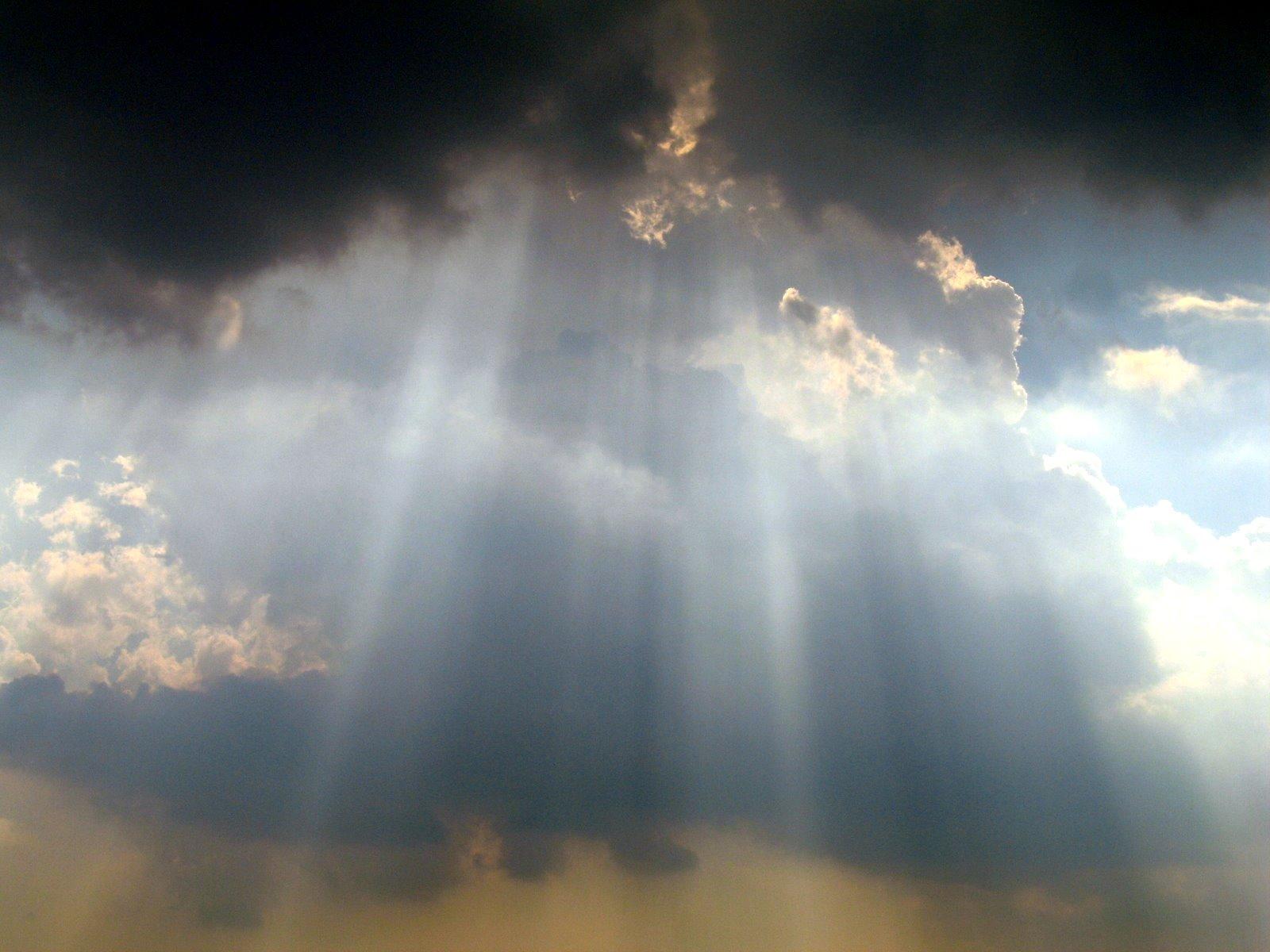 3417630_139812582081_Sky_over_Washington_Monument.JPG
