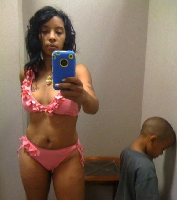 4206973_141285838293_sexy-selfy-fails-mom.jpg