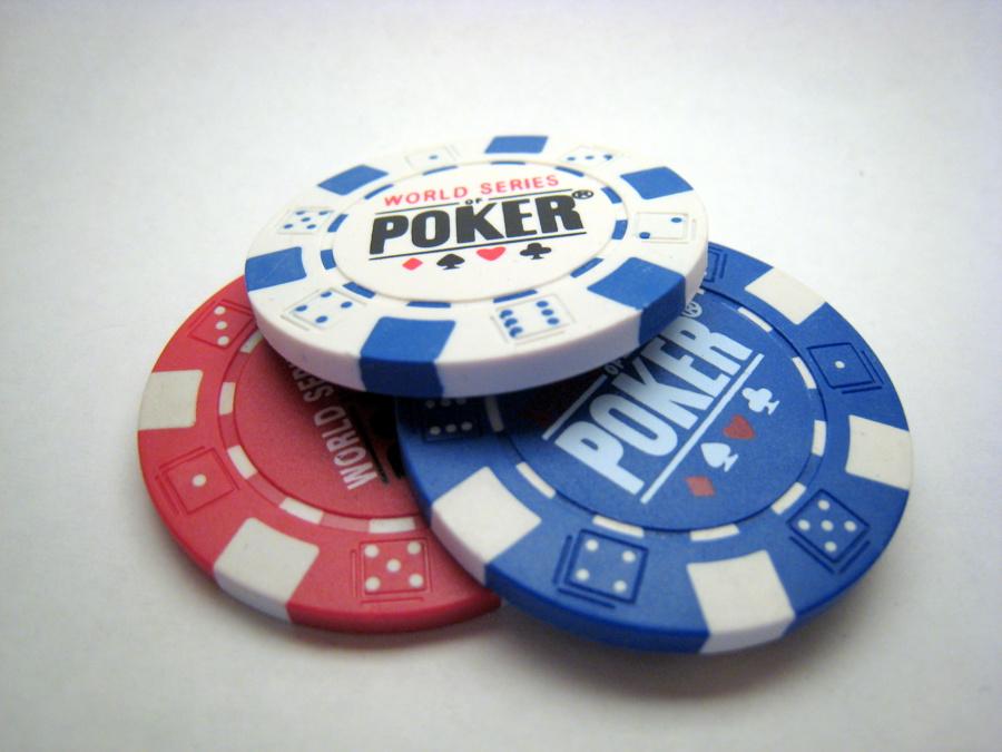 2623497_145337511491_11g_poker_chips.jpg