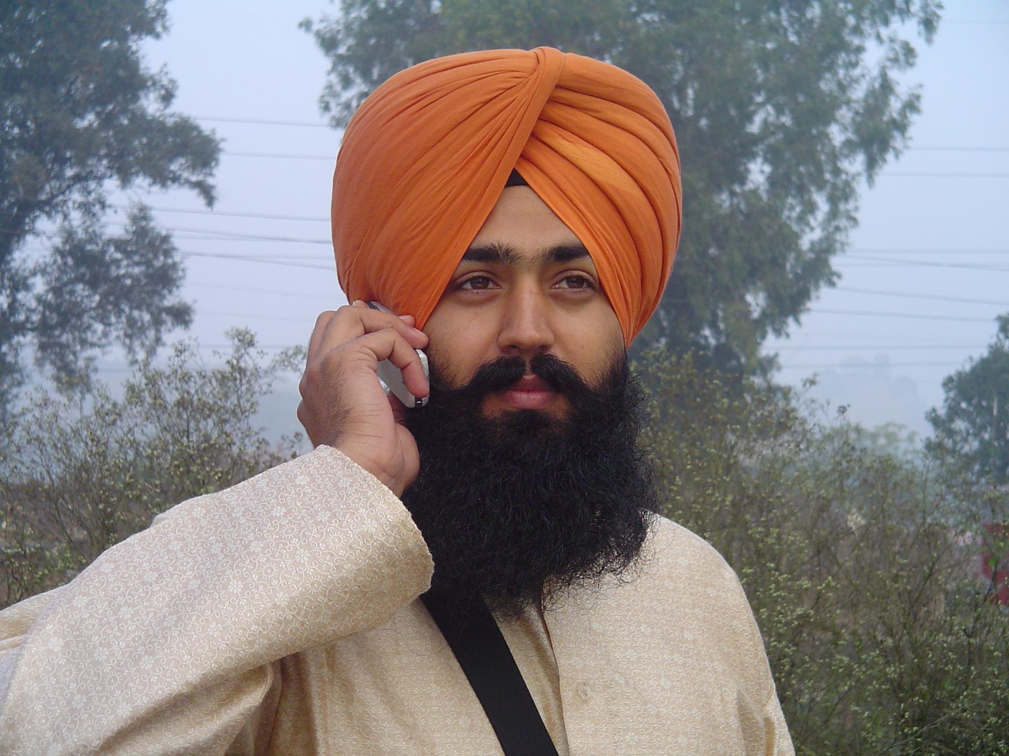 3629301_146735185313_Sikh_wearing_turban.jpg