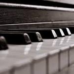 648043_148104977662_Piano.png