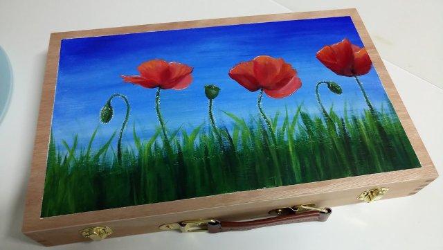 5721560_150381770091_my_acrylic_paint_box_by_madamecat_art-dblecv2.jpg